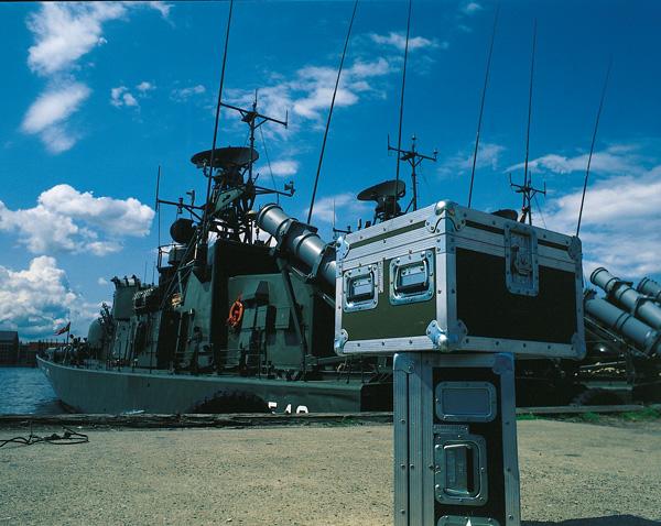 En af de første Flightcases leveret til det Danske Forsvar